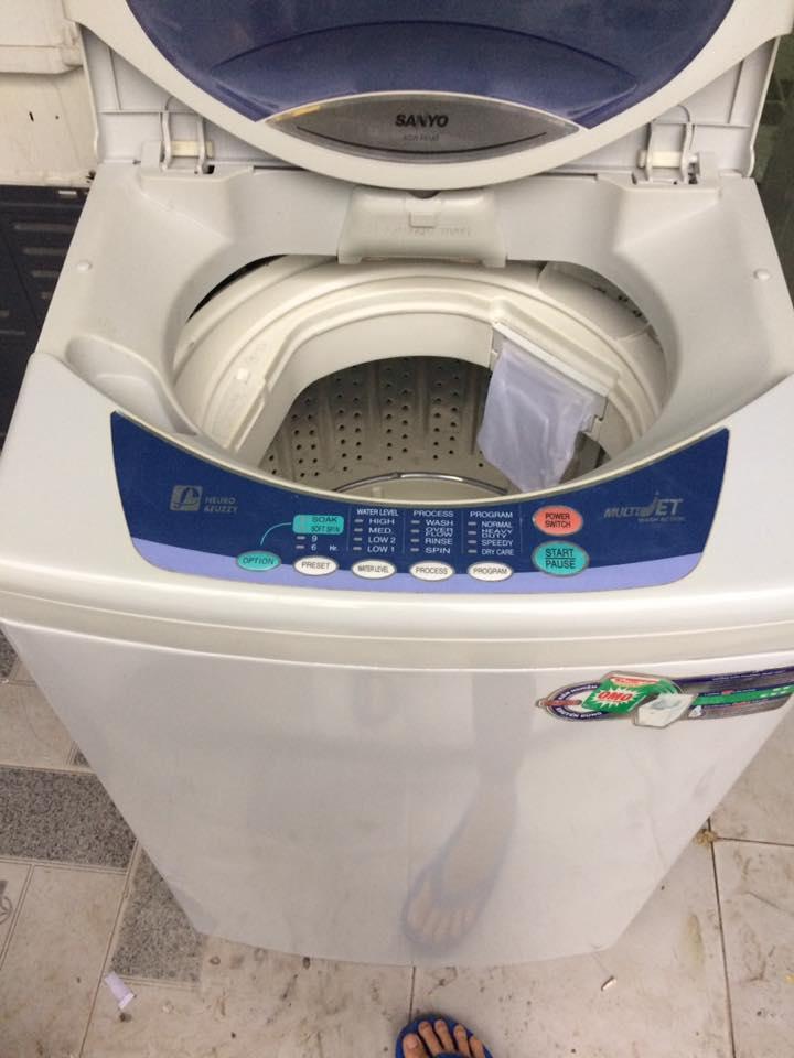 Máy giặt Sanyo 6.5 kg lòng inox không rỉ mới 90%