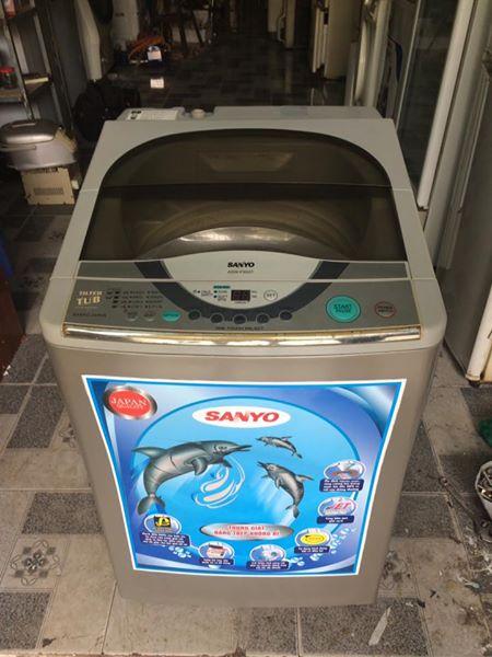 Máy giặt Sanyo 6,5kg lòng nghiêng mới 90%