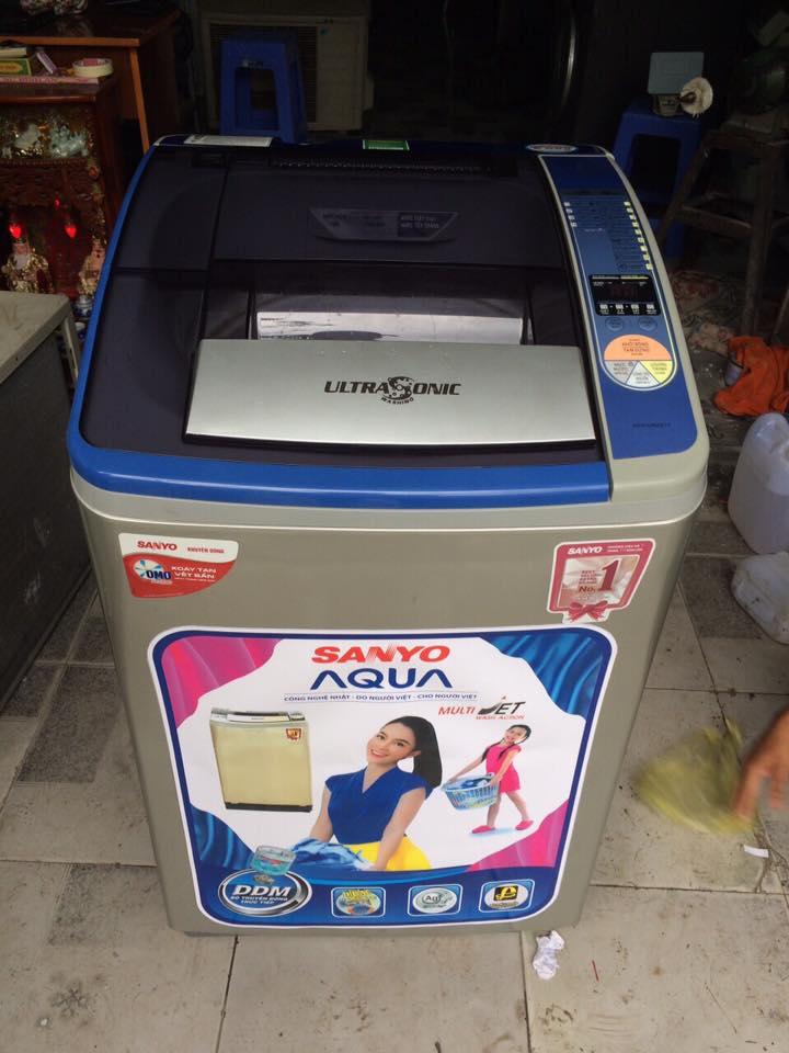 Máy giặt Sanyo ASW-U800Z1T 8kg lồng nghiêng mới 97%