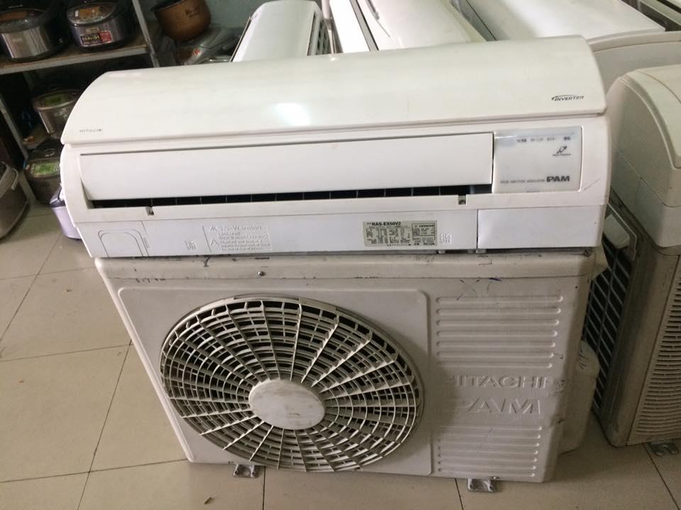 Máy lạnh Hitachi inverter 2,5 hp mới 95%
