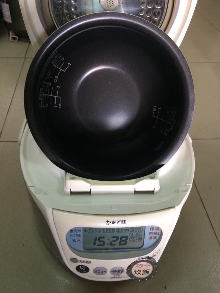 Nồi cơm điện cao tần IH Sanyo ECJ-C10N - 1L có áp suất Mới 95%