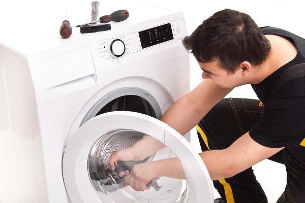 Sửa máy giặt cửa ngang TPHCM giá rẻ