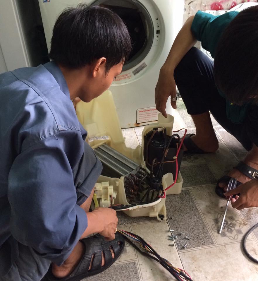Sửa máy giặt nội địa nhật cắm nhầm điện 220V