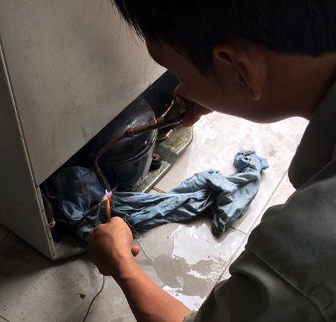 Sửa tủ lạnh Toshiba bị kêu
