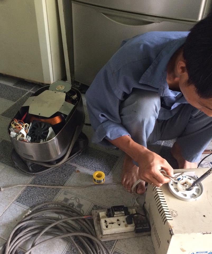 Thợ giỏi sửa tủ lạnh quận 5|sửa tủ lạnh nội địa nhật cắm nhầm điện