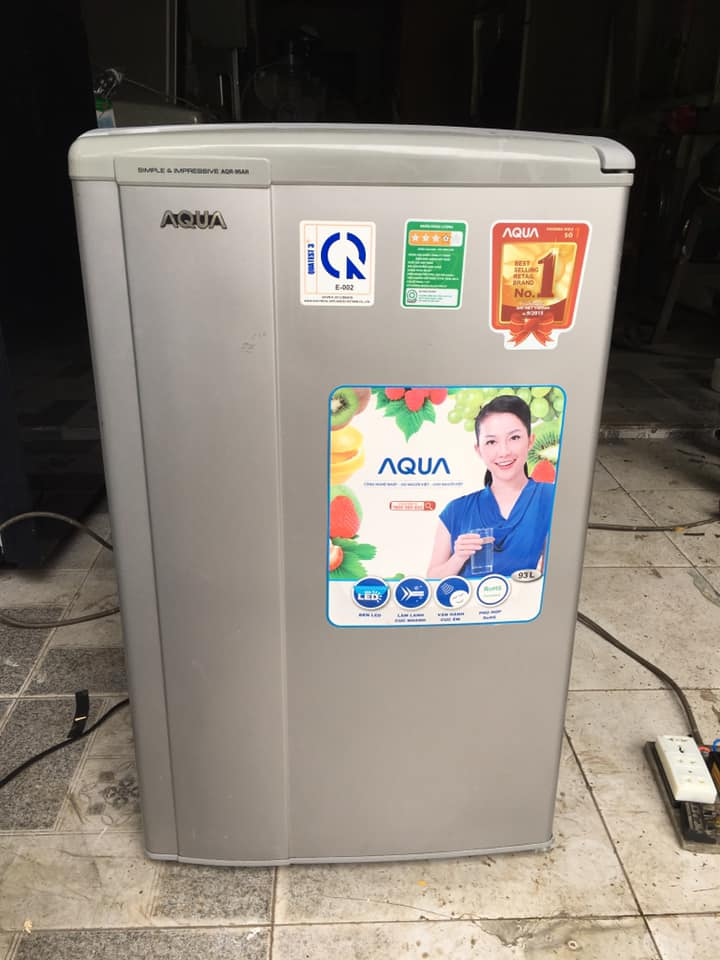 Tủ lạnh Aqua (93 lít) AQR-95AR (SS)