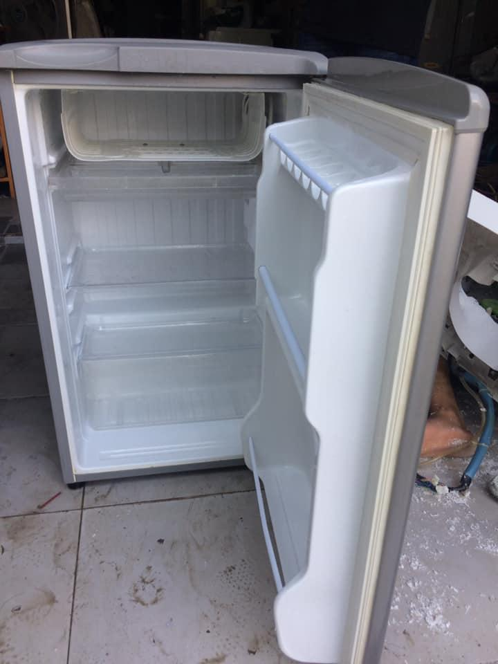 Tủ lạnh Aqua AQR-95AR (SS) 93 lít
