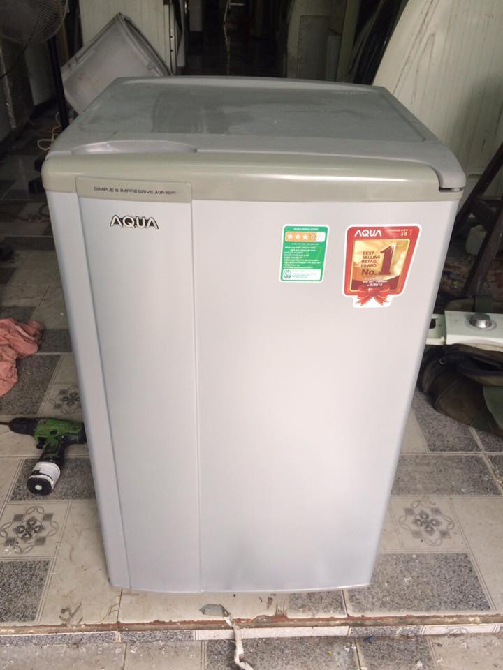 Tủ lạnh Aqua AQR-95AR(SS) 93 lít