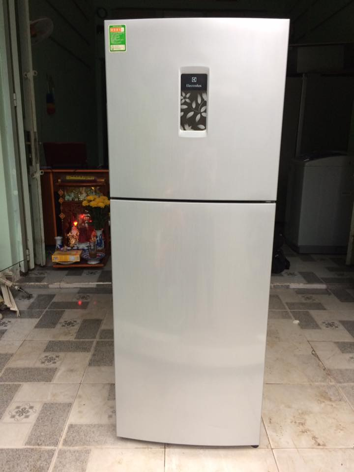 Tủ lạnh Electrolux 225 lít không đóng tuyết mới 95%