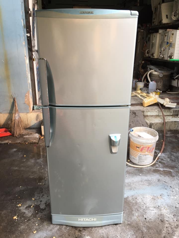 Tủ lạnh Hitachi (180 lít) không đóng tuyết