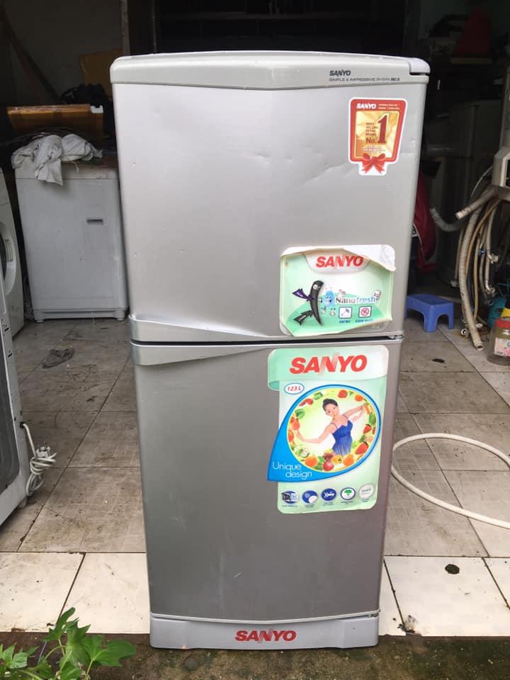 Tủ lạnh Sanyo (123lít) không đóng tuyết ( nguyên zin)