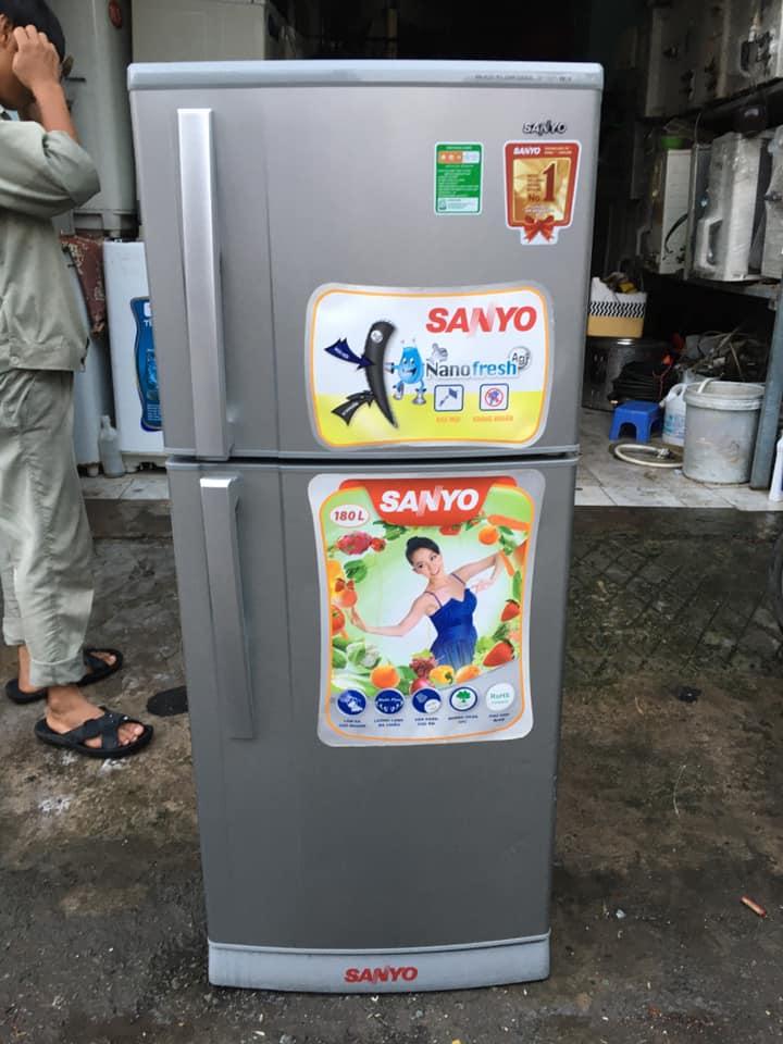 Tủ lạnh Sanyo (180 lít) không đóng tuyết