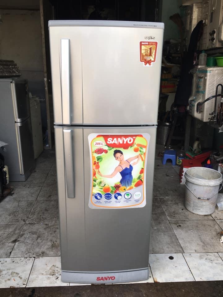 Tủ lạnh Sanyo (205 lít) không đóng tuyết SR-S205PN