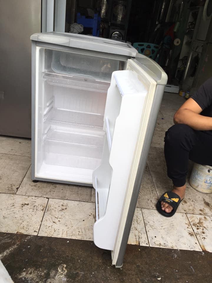 Tủ lạnh Sanyo (90 lít)