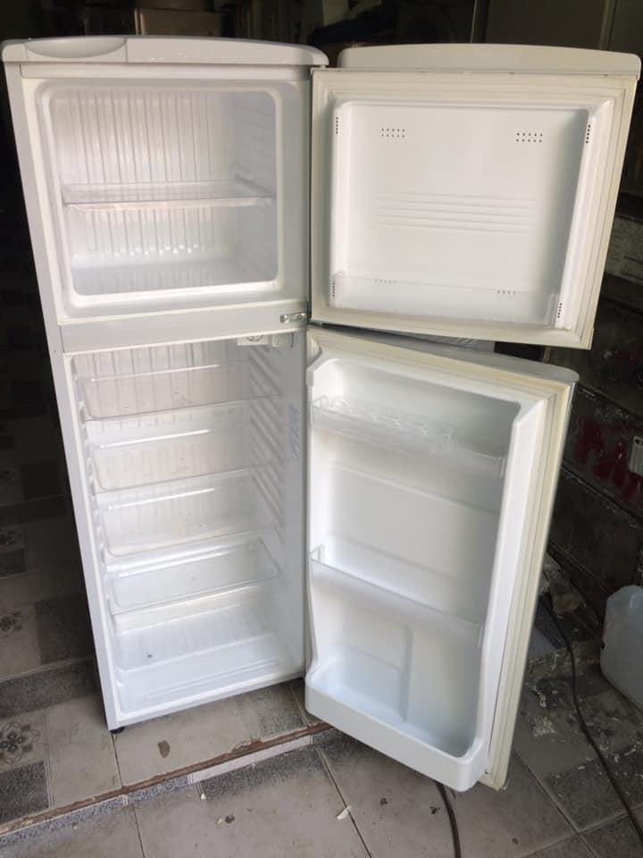Tủ lạnh Sanyo 145 lít đóng tuyết mới 95%
