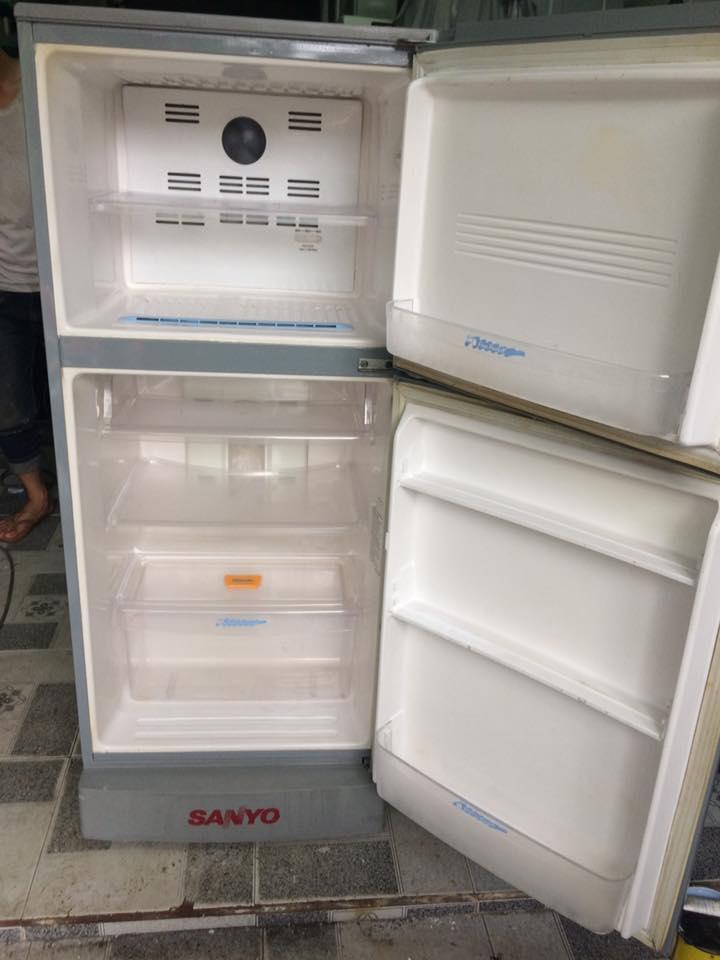 Tủ lạnh Sanyo 220 lít không đóng tuyết