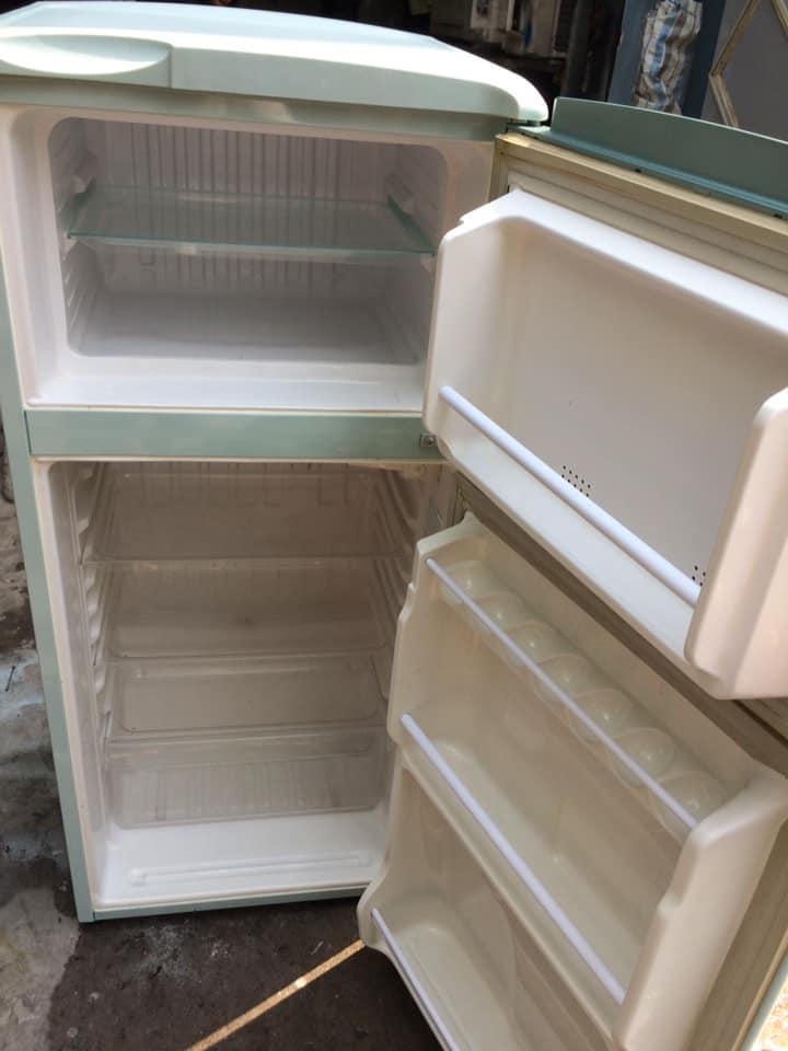 Tủ lạnh Sanyo SR-11FD (110 lít) đóng tuyết