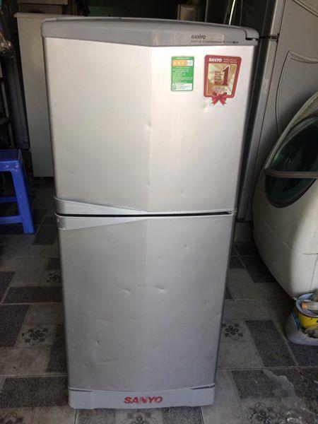 Tủ lạnh Sanyo SR-125PN(SS) 110L không đóng tuyết