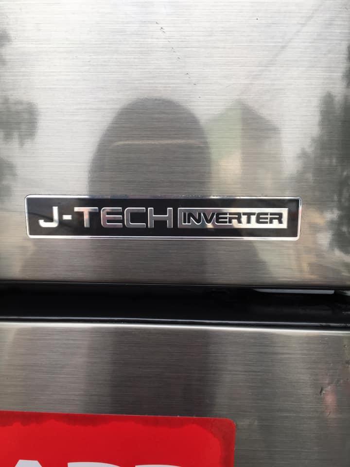 Tủ lạnh Sharp (165 lít) Inverter Không đóng tuyết