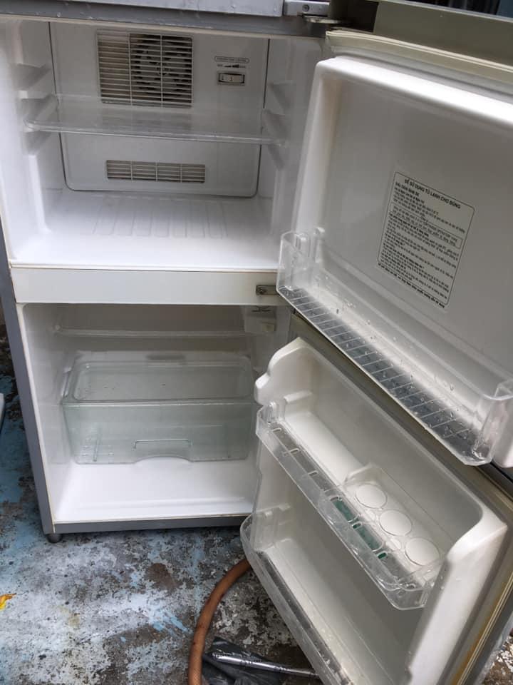 Tủ lạnh Toshiba (95 lít) không đóng tuyết