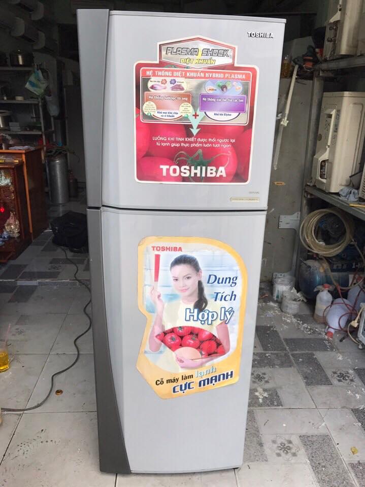 Tủ lạnh Toshiba 167 lít không đóng tuyết mới 95%