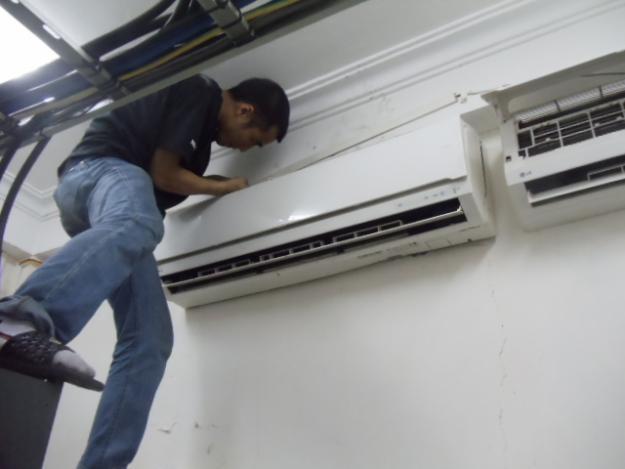 Vệ sinh máy lạnh quận 5 trong 30 phút